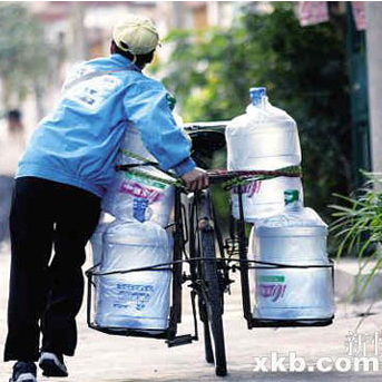 桶装水配送及常见问题,1桶水小课堂,为大家讲解关于桶装水配送的话题