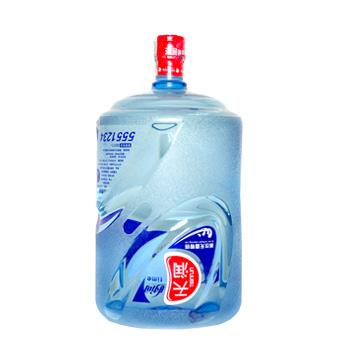 """天润公包装饮用水。是沧州最具规模的饮用水生产商,获得""""河北省消费者协会信得过企业""""等荣誉称号。"""